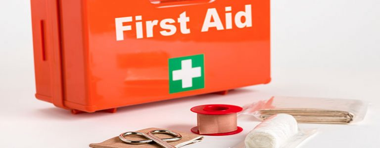 You Must Know How To Do First Aid